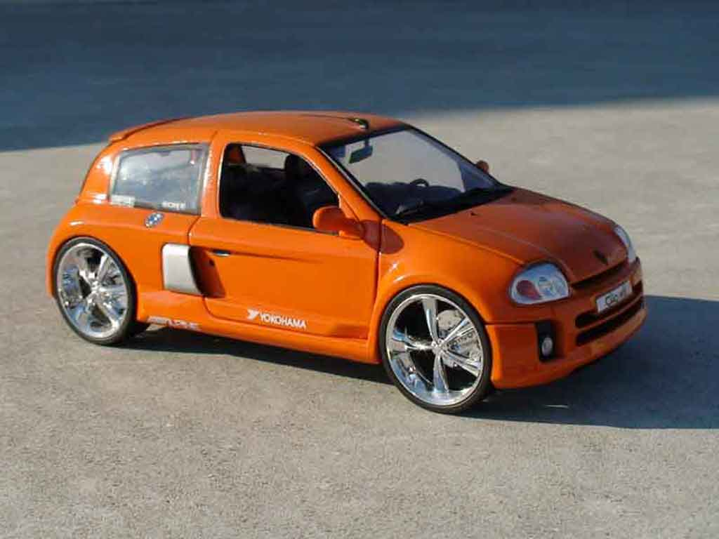 renault clio v6 orange universal hobbies coches miniaturas 1 18 comprar venta coches. Black Bedroom Furniture Sets. Home Design Ideas