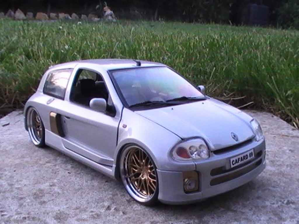 renault clio v6 miniature williams universal hobbies 1 18 voiture. Black Bedroom Furniture Sets. Home Design Ideas