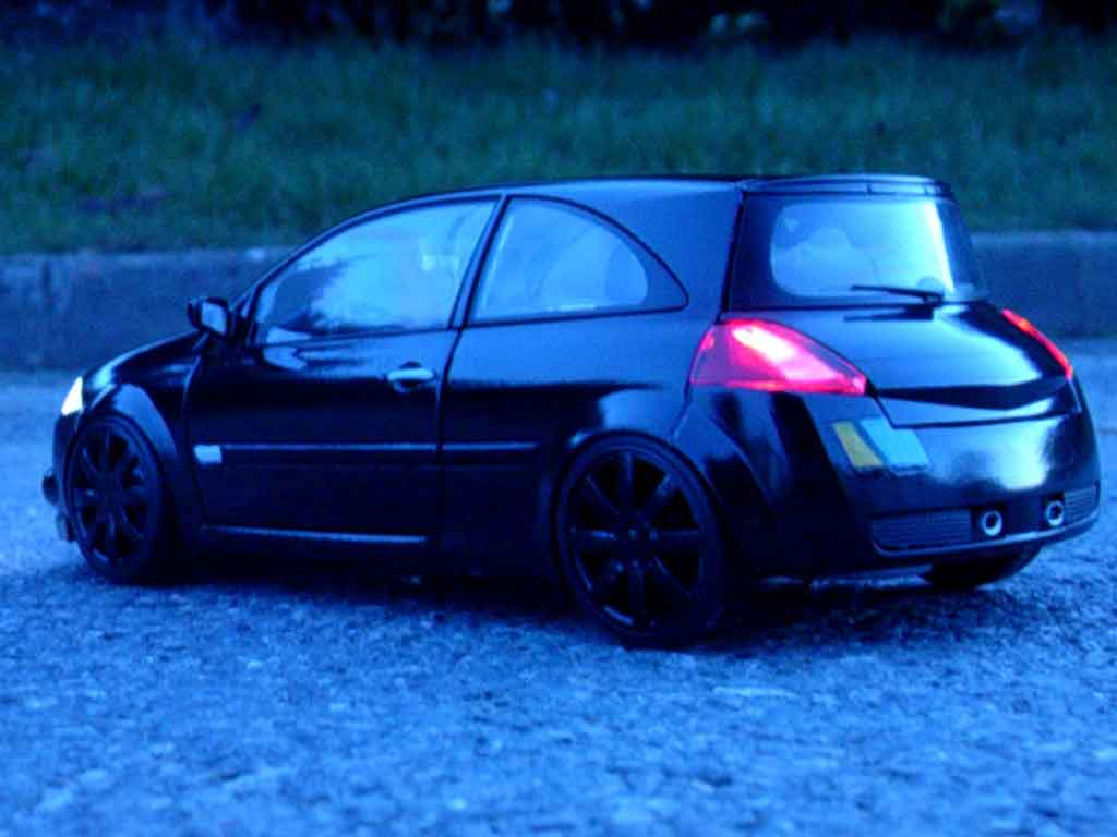 Renault Megane Sport 1/18 Burago rs f1 team black kit xenon