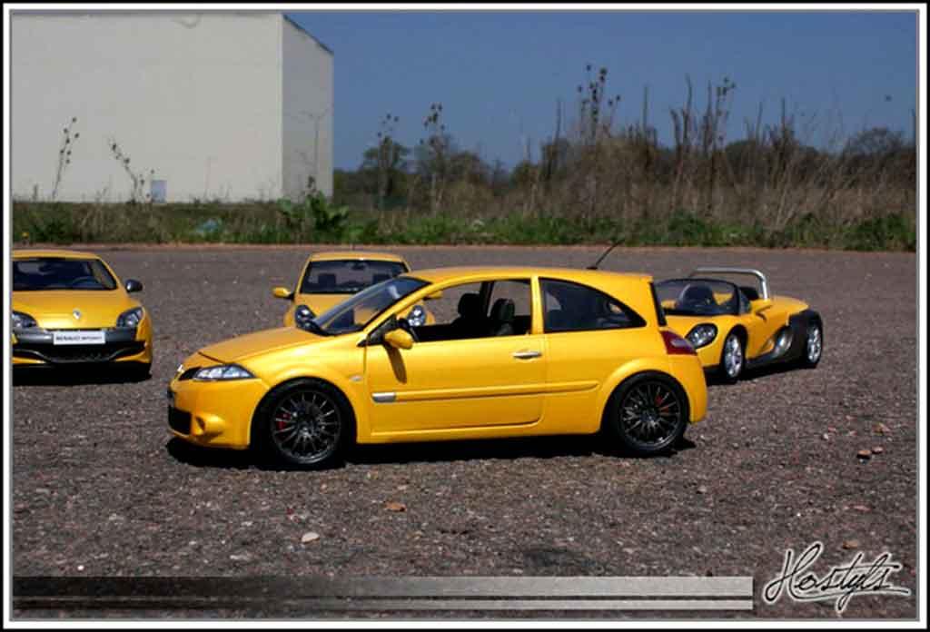 renault megane sport rs gelb siryus burago modellauto 1 18 kaufen verkauf modellauto online. Black Bedroom Furniture Sets. Home Design Ideas