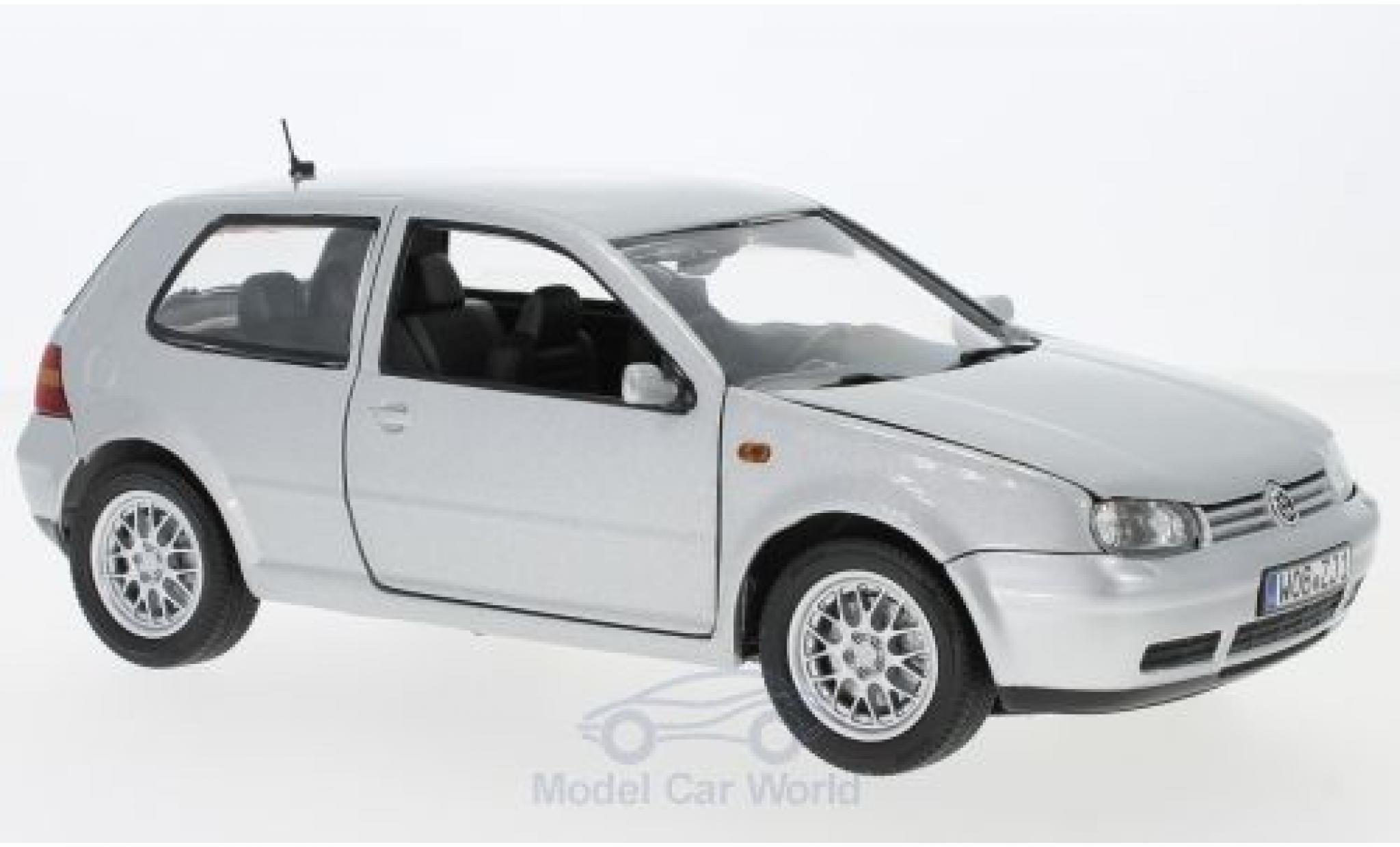 Volkswagen Golf V 1/18 Revell IV grise 1997