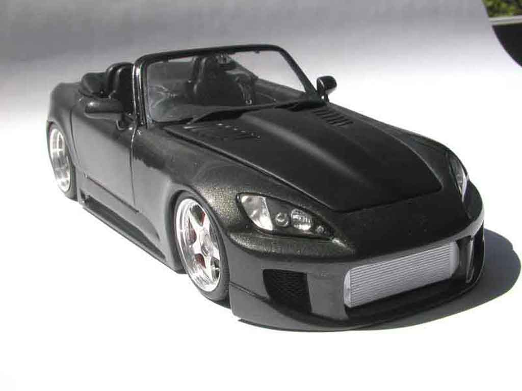 honda s2000 miniature noire kit carrosserie maisto 1 18 voiture. Black Bedroom Furniture Sets. Home Design Ideas