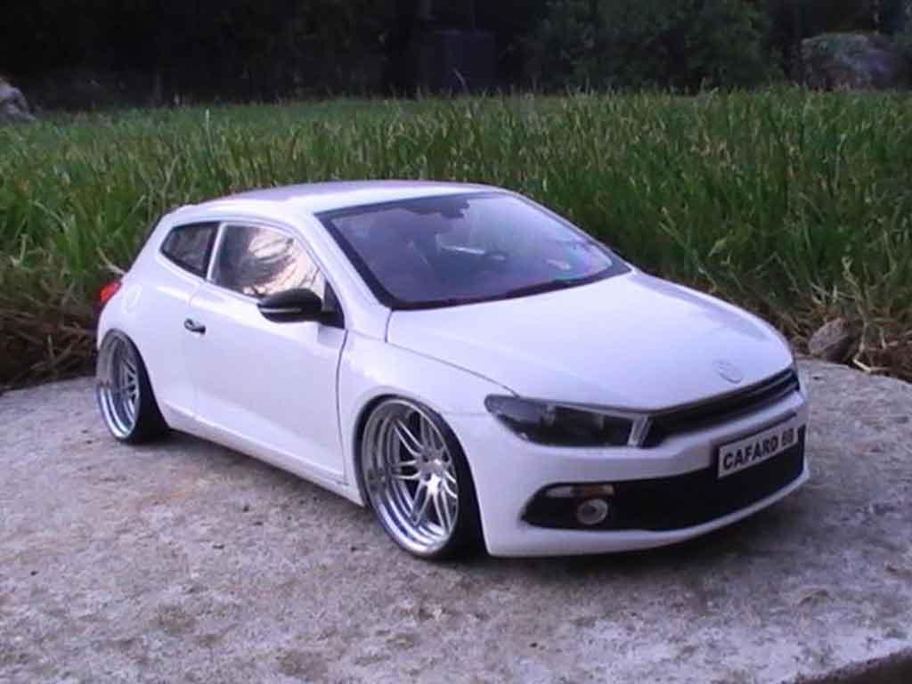 Auto miniature Volkswagen Scirocco 3 r blanche jantes 19 pouces tuning Norev. Volkswagen Scirocco 3 r blanche jantes 19 pouces miniature 1/18