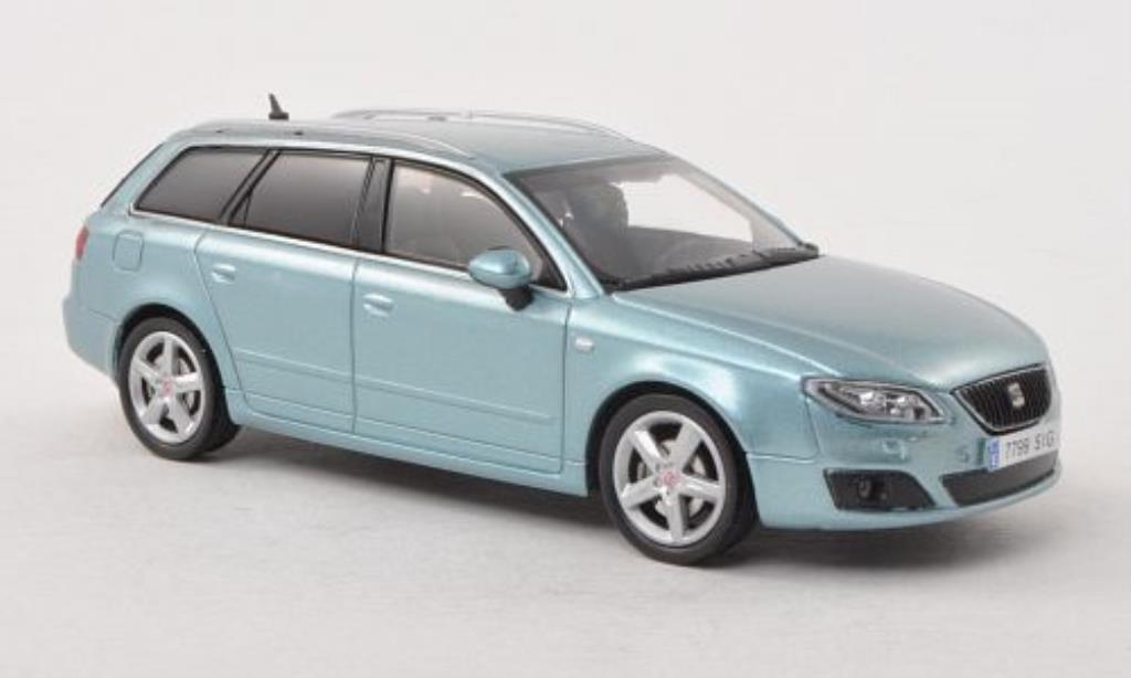 Seat Exeo 1/43 Seat ST grise-bleu miniature