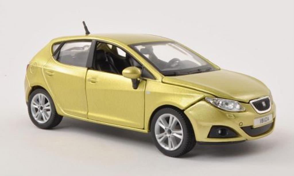 seat ibiza miniature 6j jaune verte 5 turer burago 1 24 voiture. Black Bedroom Furniture Sets. Home Design Ideas