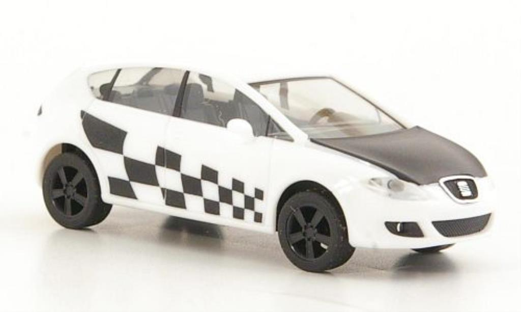 Seat Leon 1/87 Herpa Showcar blanche/mattnoire miniature