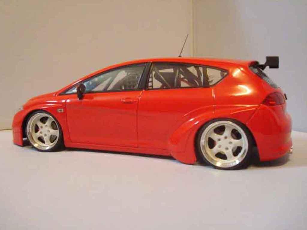 seat leon miniature wtcc rouge guiloy 1 18 voiture. Black Bedroom Furniture Sets. Home Design Ideas