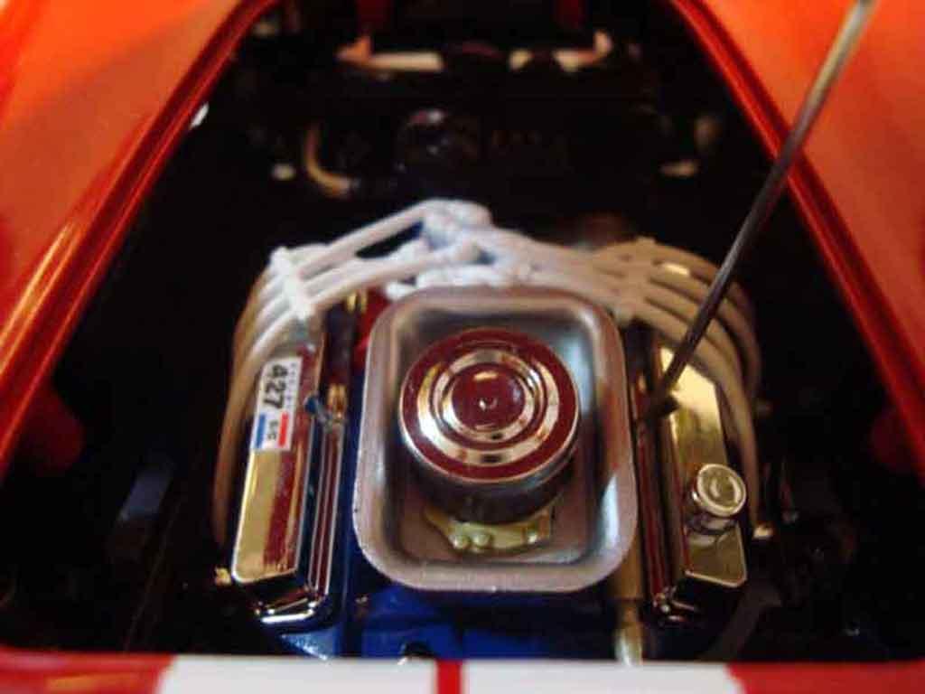 Shelby Ac Cobra 1/18 Yat Ming 427 s/c rouge