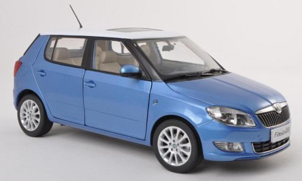 skoda fabia ii miniature bleu blanche 2008 paudi 1 18 voiture. Black Bedroom Furniture Sets. Home Design Ideas