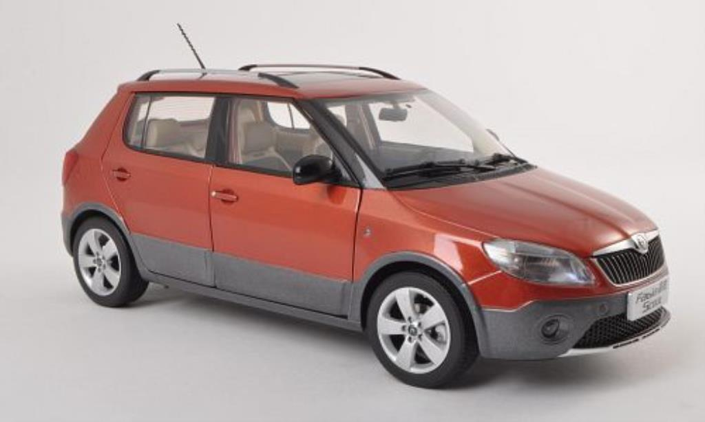 skoda fabia miniature scout rouge 2012 paudi 1 18 voiture. Black Bedroom Furniture Sets. Home Design Ideas