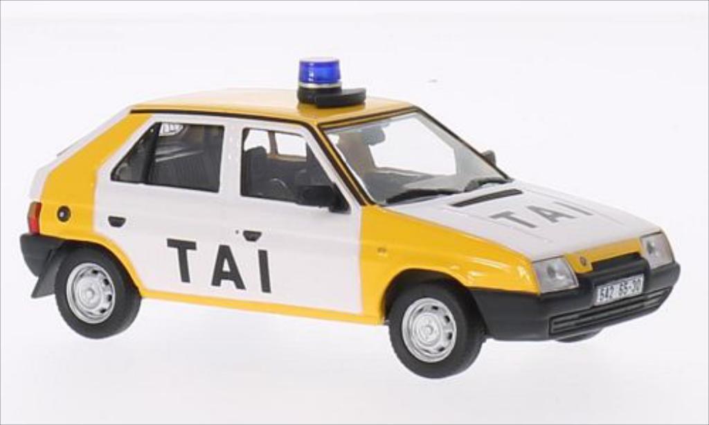 Skoda Favorit 1/43 Abrex Tai Praha (rundes bleulicht) blanche/jaune 1987 miniature