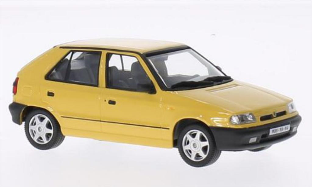 skoda felicia miniature 1 3 glxi jaune 1994 abrex 1 43 voiture. Black Bedroom Furniture Sets. Home Design Ideas