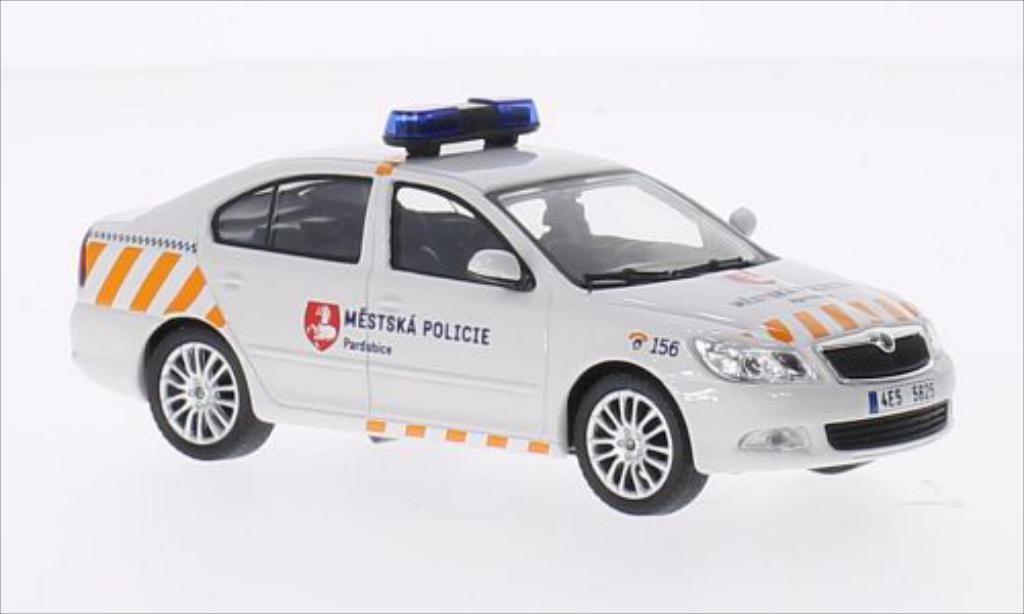skoda octavia miniature mestska policie abrex 1 43 voiture. Black Bedroom Furniture Sets. Home Design Ideas