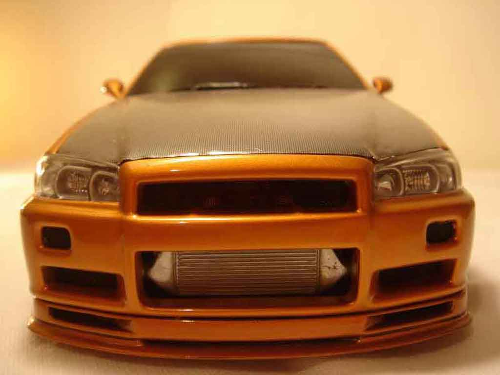 Nissan Skyline R34 1/18 Autoart orange carbon kit nos