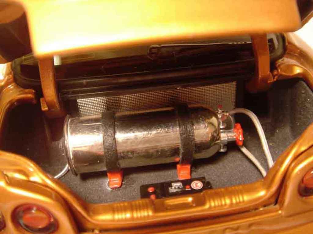 Nissan Skyline R34 1/18 Autoart orange carbon kit nos