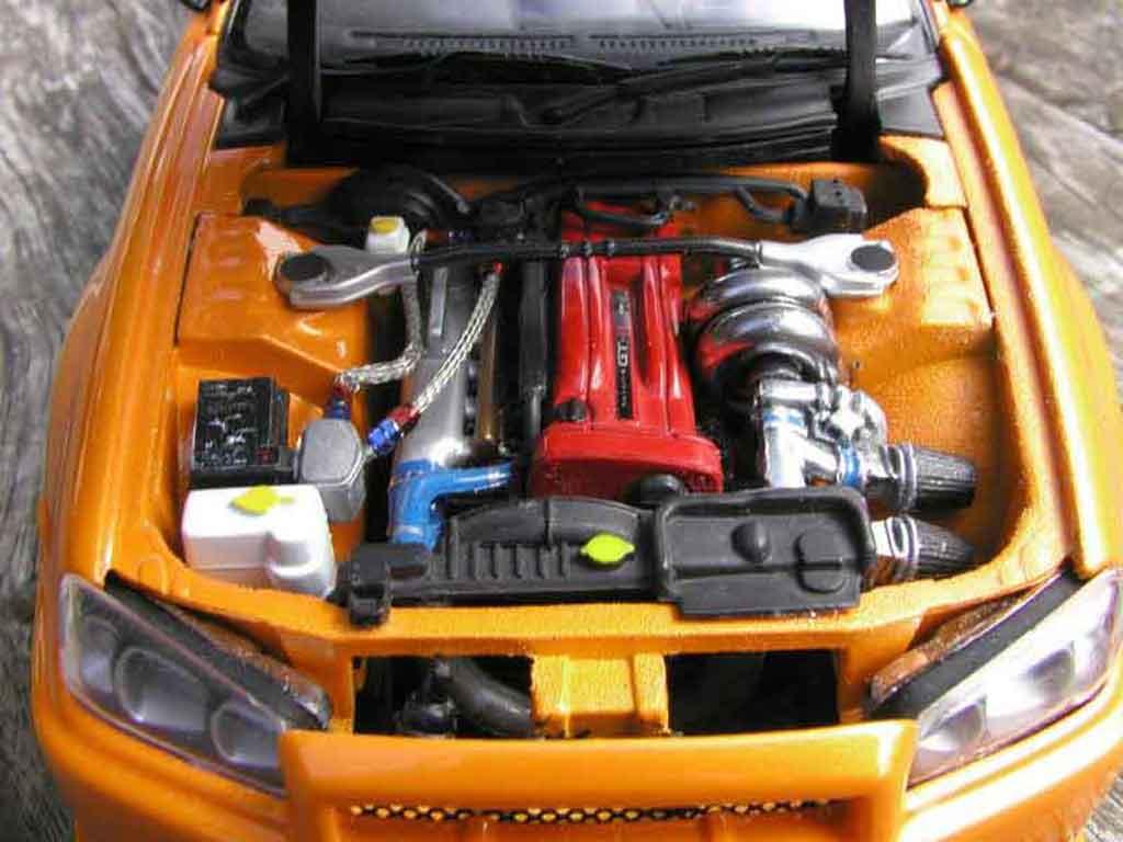 Nissan Skyline R34 1/18 Autoart gt aileron et capot carbone r