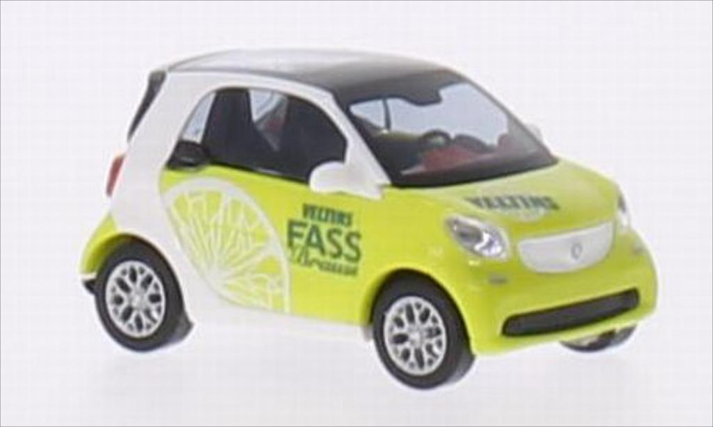 Smart Fortwo coupe 1/87 Busch Veltins Fassbrause Zitrone miniature