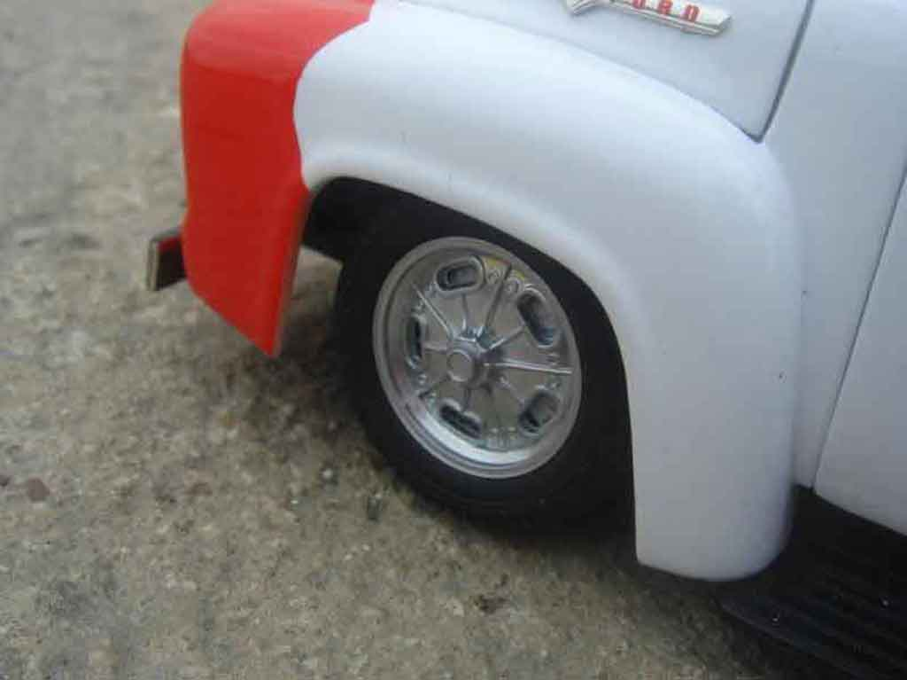 Ford 1956 1/18 Welly so-cal truck