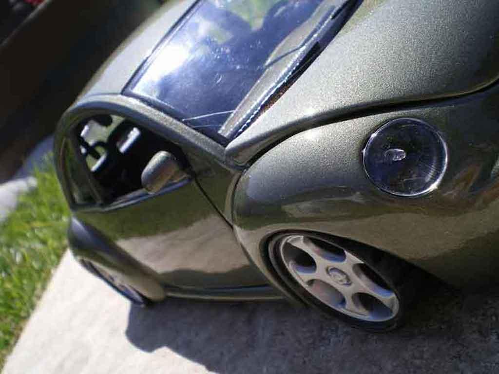 volkswagen new beetle burago modellauto 1 18 kaufen verkauf modellauto online. Black Bedroom Furniture Sets. Home Design Ideas
