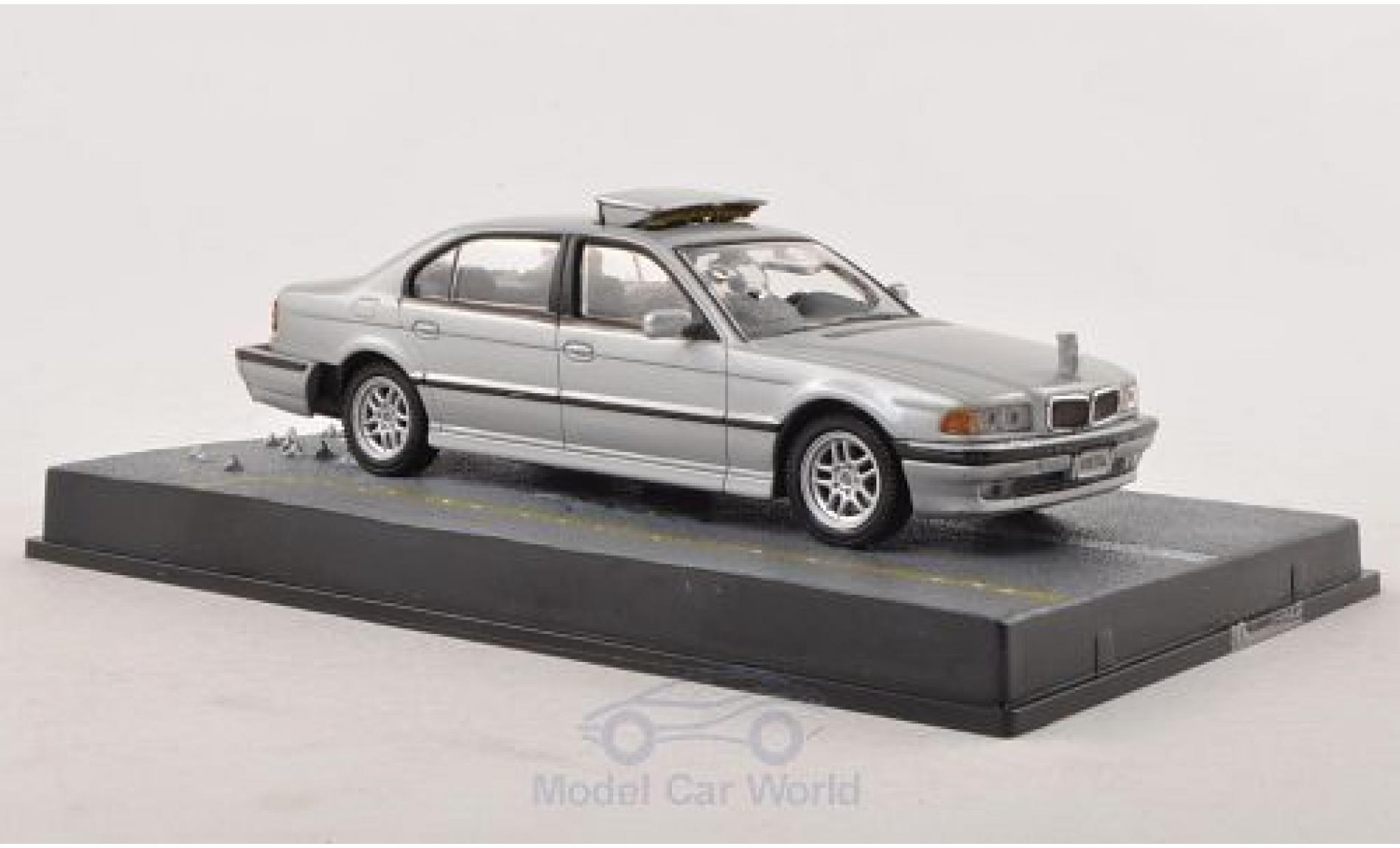 Bmw 750 1/43 SpecialC 007 iL (E38) grise James Bond 007 Tomorrow Never Dies ohne Vitrine