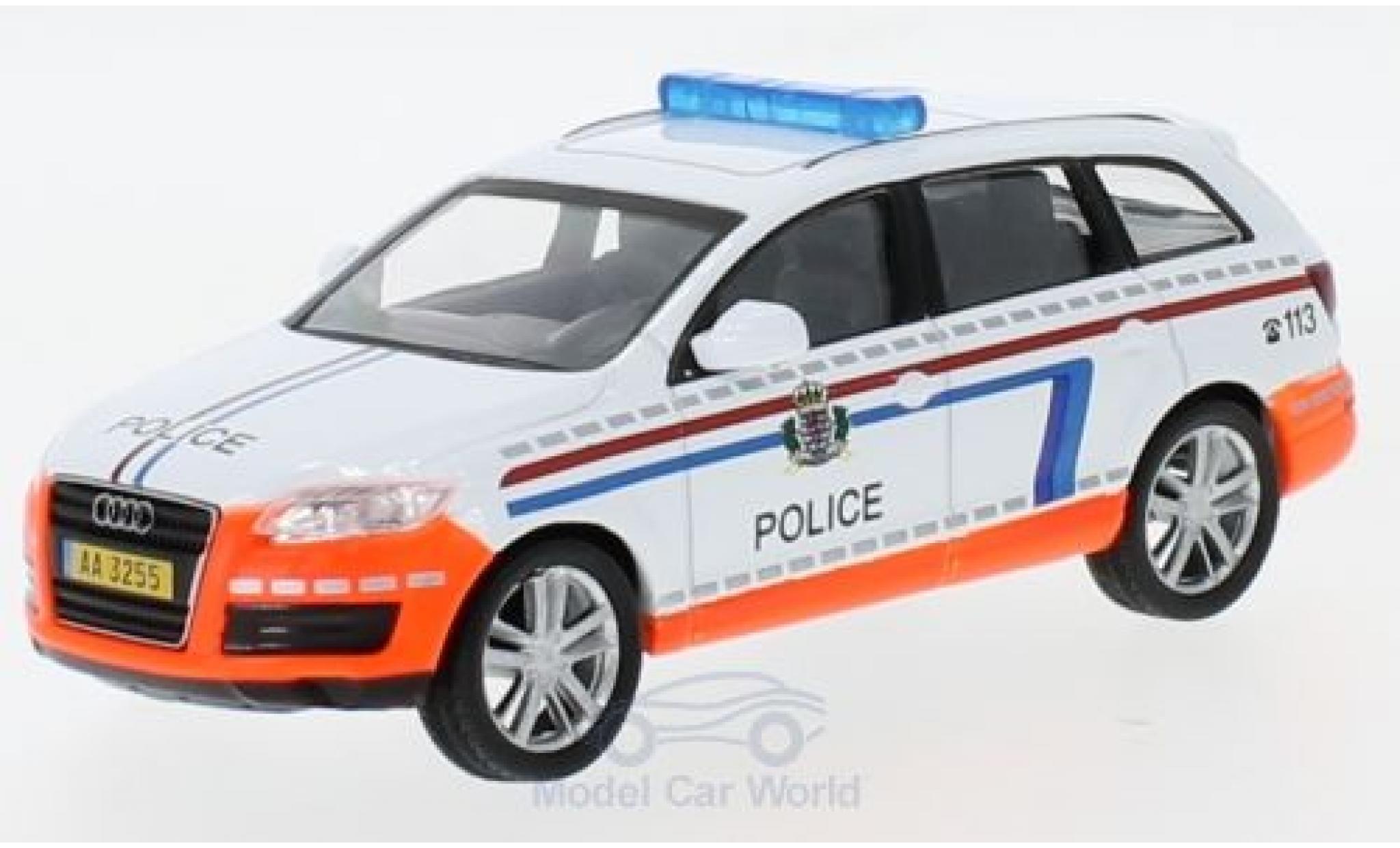 Audi Q7 1/43 SpecialC 80 Police ohne Vitrine