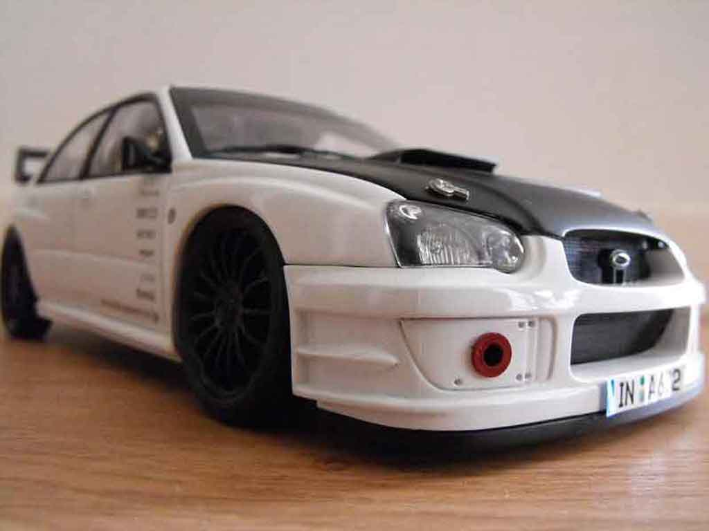 Subaru Impreza WRX 1/18 Autoart 2003 plain body white tuning diecast model cars