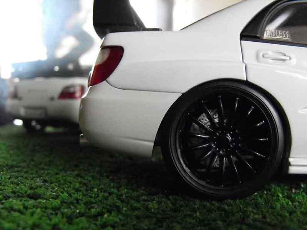 Subaru Impreza WRX 1/18 Autoart 2003 plain body white