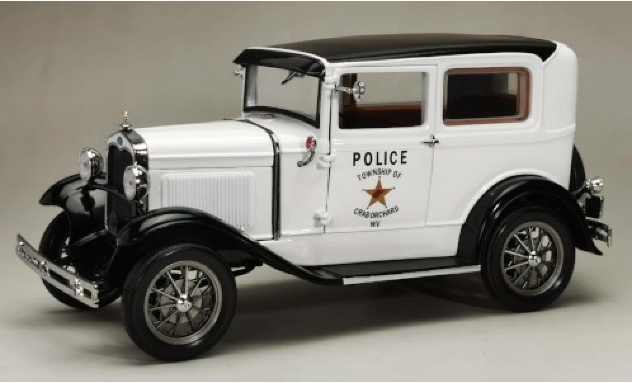 Ford Model A 1/18 Sun Star Tudor white/black West Virginia Police 1931
