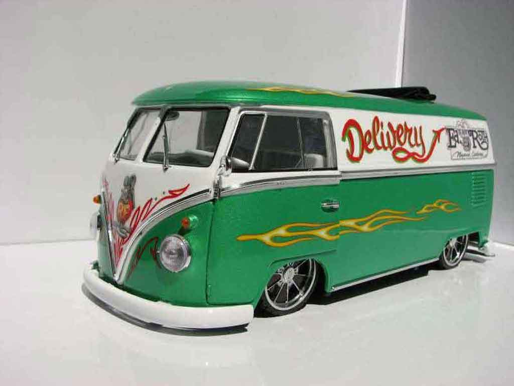 Volkswagen Combi 1/18 Welly tribute to ed rougeh combi rat fink revell tuning miniature