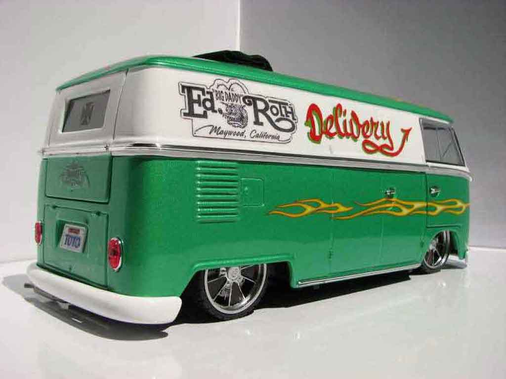 Volkswagen Combi 1/18 Welly tribute to ed redh combi rat fink revell
