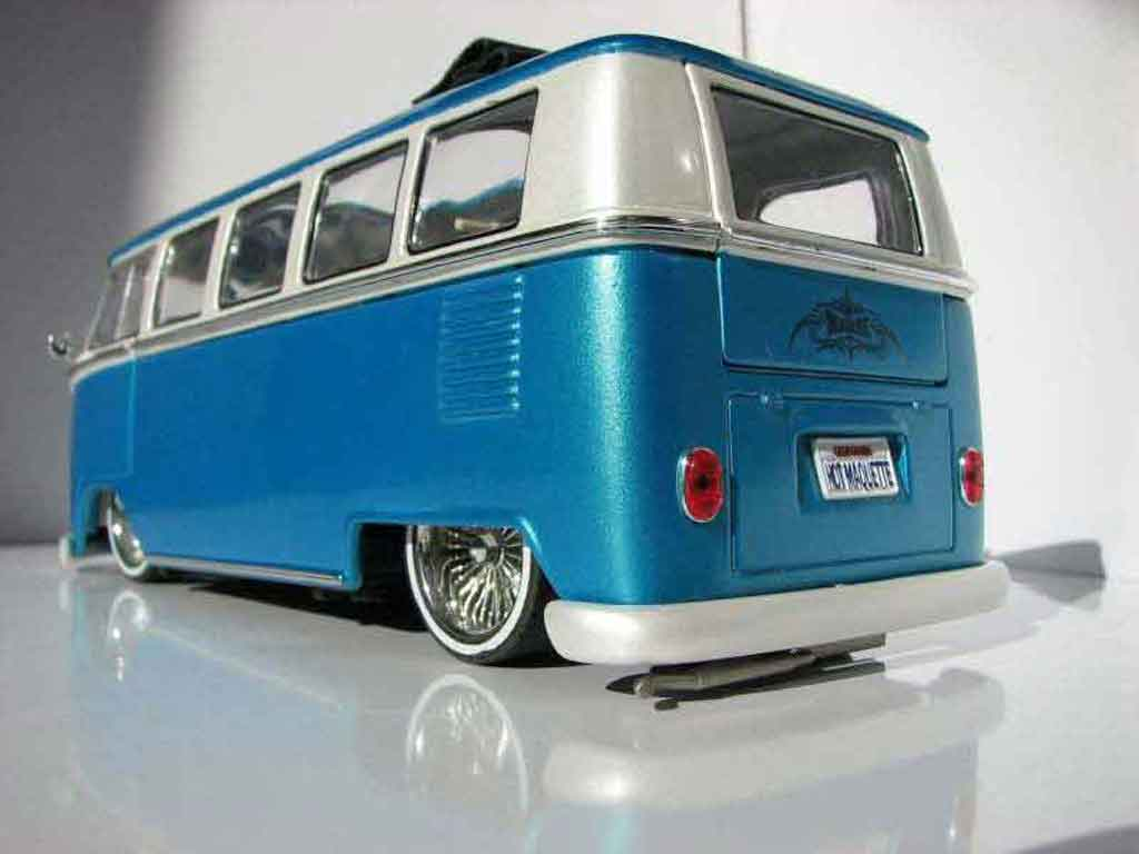 Volkswagen Combi 1/18 Welly low rider tuning miniature