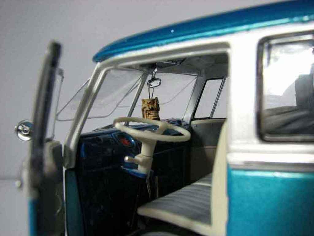 Volkswagen Combi 1/18 Welly low rider