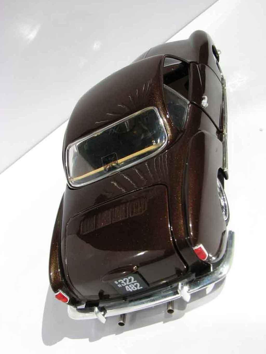 Volkswagen Karmann 1/18 Solido dub