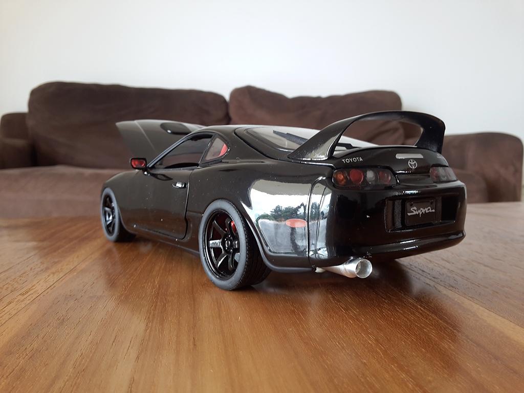 Toyota Supra   noire jantes 18 pouces et disques de frein Kyosho