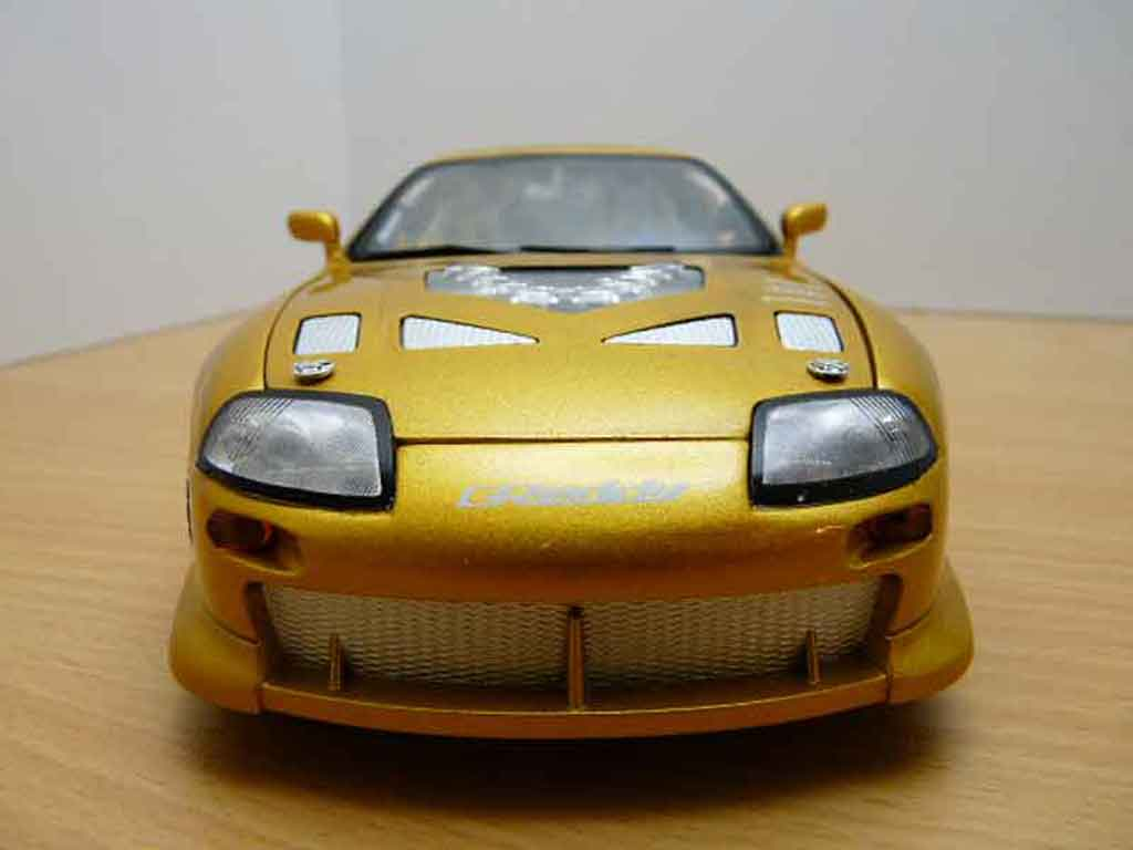 Toyota Supra 1/18 Ertl fast and furious 2 miniature
