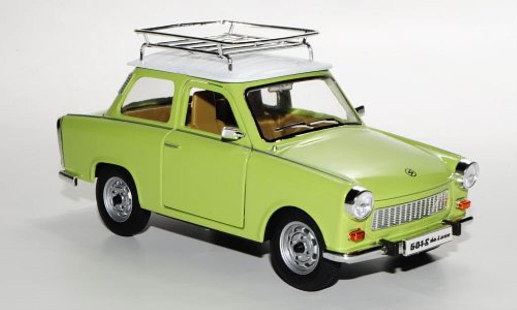 trabant 601 s de luxe grun weiss mit dachgepacktrager mcw. Black Bedroom Furniture Sets. Home Design Ideas
