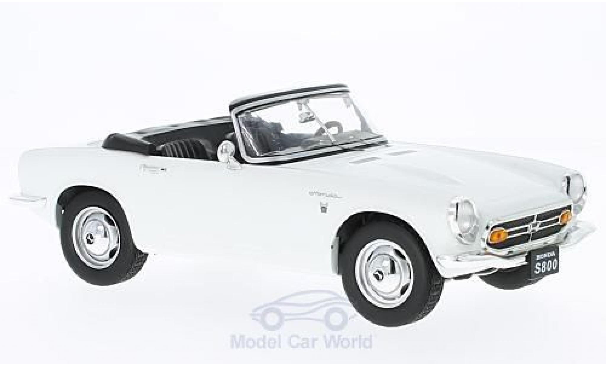 Honda S800 1/18 Triple 9 Collection Cabrio blanche 1966 ohne Vitrine