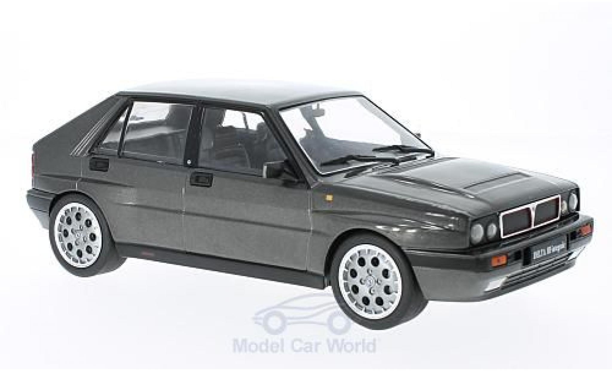 Lancia Delta 1/18 Triple 9 Collection HF Integrale 16V metallise grise 1990 ohne Vitrine