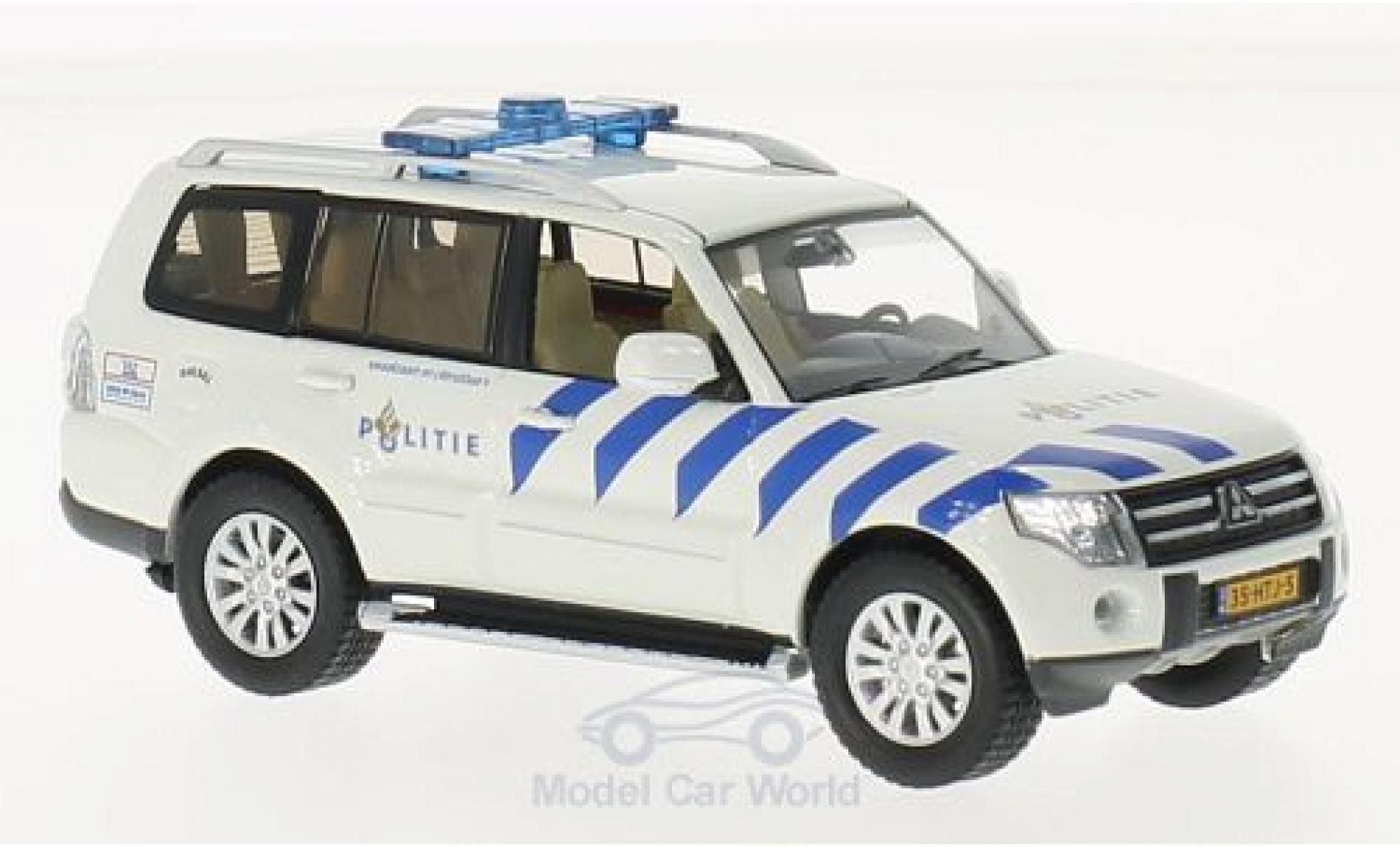 Mitsubishi Pajero 1/43 Triple 9 Collection blanche/bleue Politie Amsterdam (NL) 2013