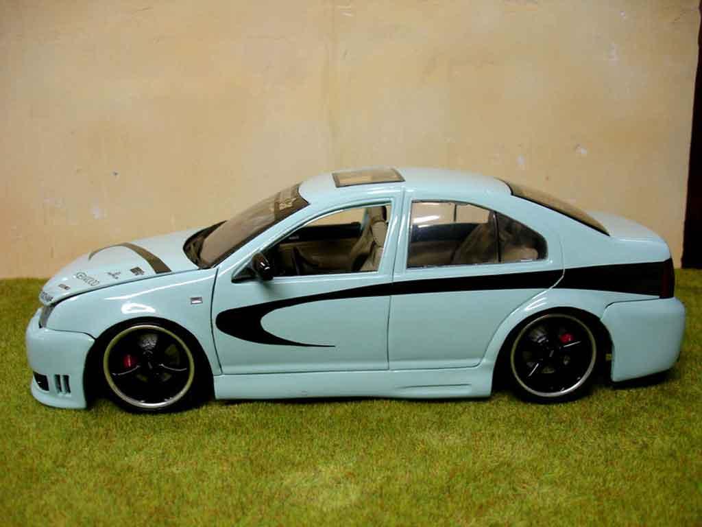 Volkswagen Bora 1/18 Revell show car