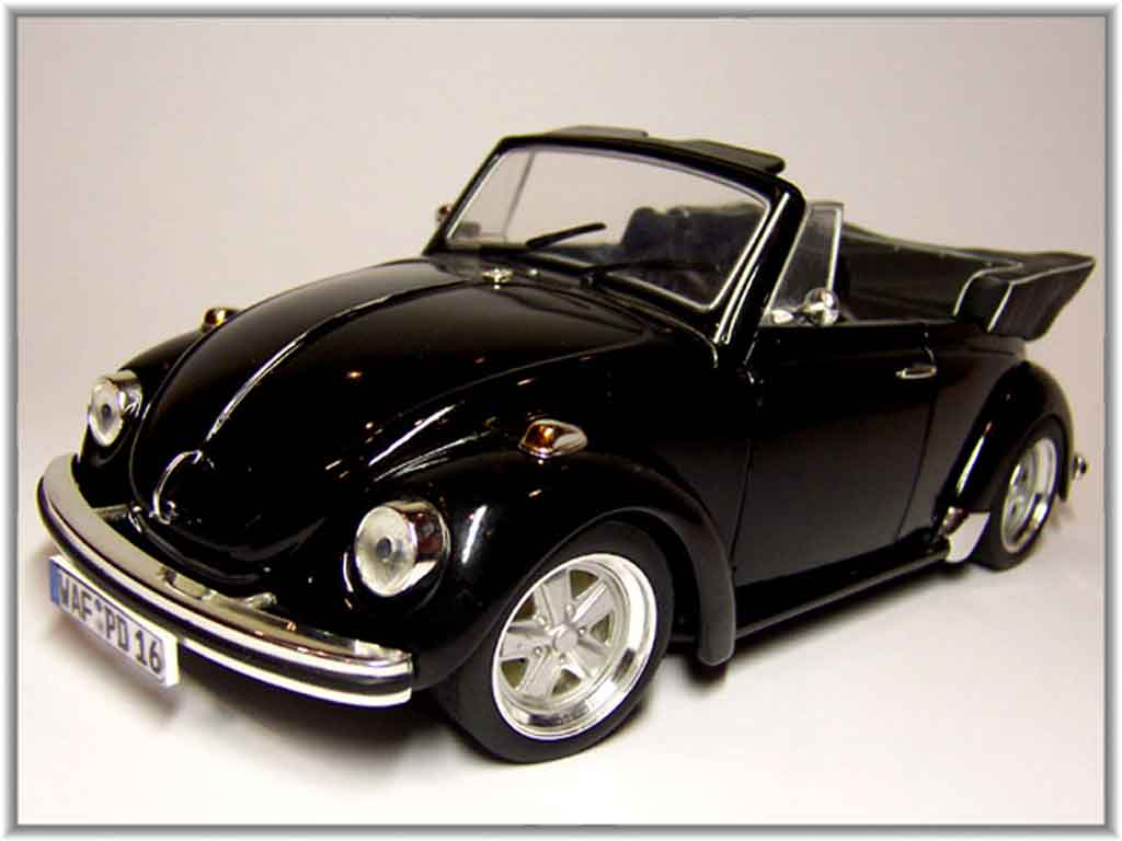 volkswagen kafer coccinelle cabriolet miniature noire jantes fuchs revell 1 18 voiture. Black Bedroom Furniture Sets. Home Design Ideas