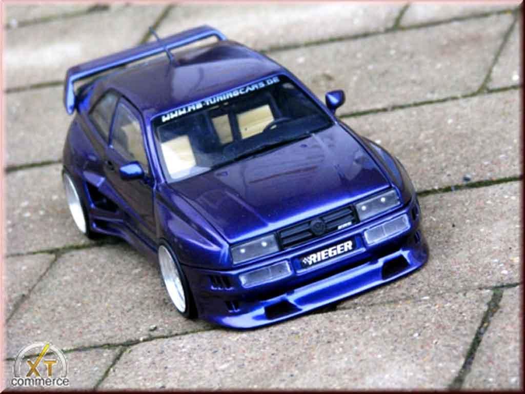 Volkswagen Corrado VR6 1/18 Revell kit carrosserie rieger bleu jantes bords larges