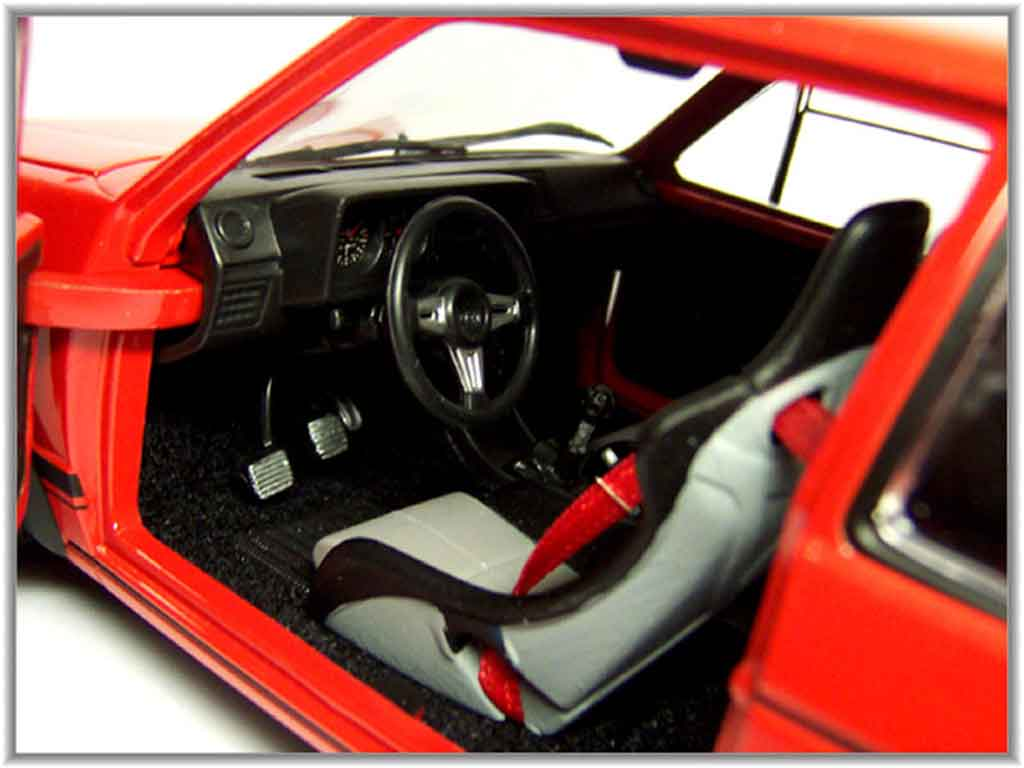 Volkswagen Golf 1 GTI 1/18 Solido rot jantes 15 pouces ronal turbo