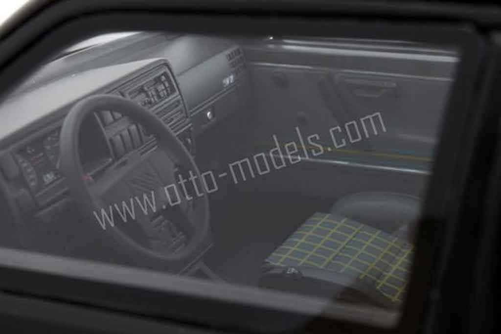 Volkswagen Golf 2 GTI 1/18 Ottomobile 16s black 1990