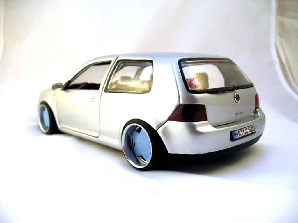 Volkswagen Golf 4 GTI german look wheels borbet type a Revell diecast model car 1/18 - Buy/Sell ...