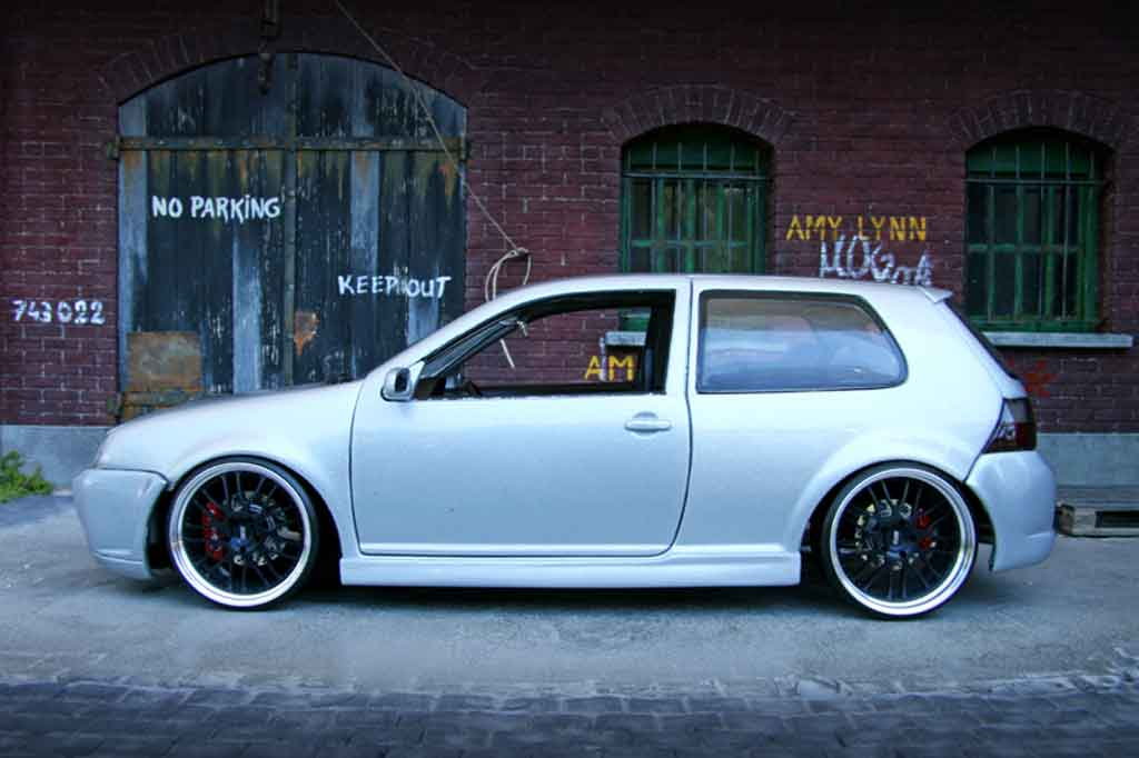 volkswagen golf iv r32 miniature kit carrosserie grise. Black Bedroom Furniture Sets. Home Design Ideas