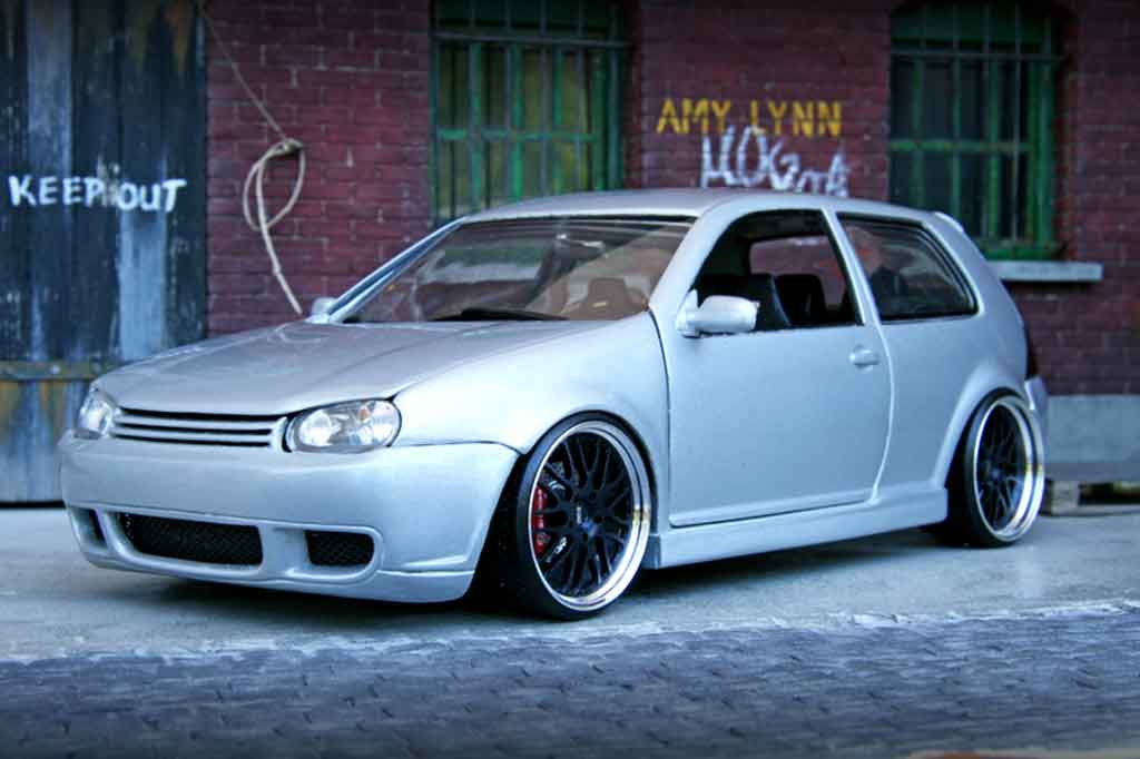 Volkswagen Golf IV R32 1/18 Revell kit carrosserie grey jantes bbs 18 pouces tuning diecast model cars