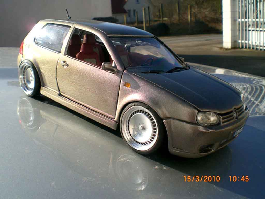 Volkswagen Golf IV R32 1/18 Revell tdi german look kit carrosserie tuning coche miniatura