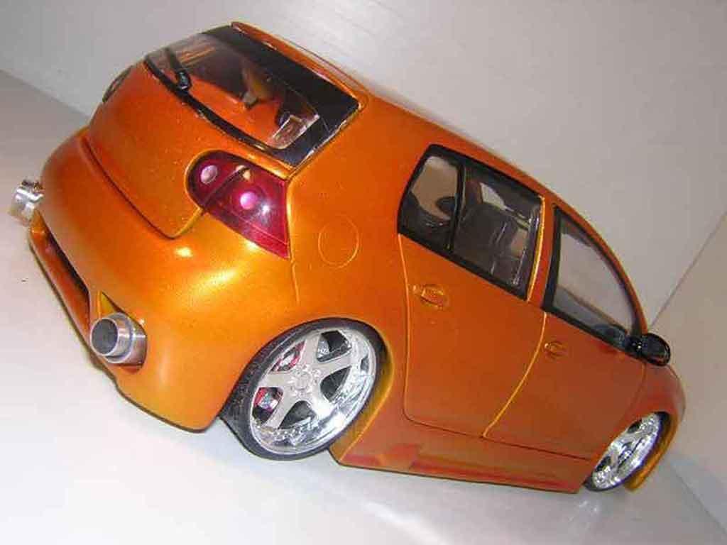 volkswagen golf v gti burago modellauto 1 18 kaufen verkauf modellauto online. Black Bedroom Furniture Sets. Home Design Ideas
