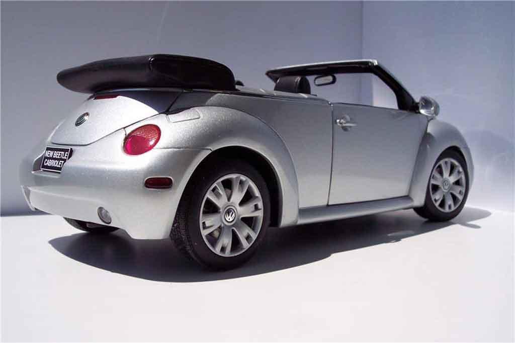 Volkswagen New Beetle cabriolet 1/18 Burago gray metallisee